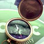 znakowanie-laserowe-wieczka-kompasu